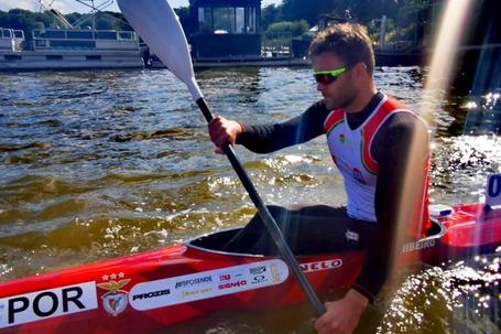Ribeiro, vice-campeão da Europa, terminou a sua regata em 1.39,88 minutos