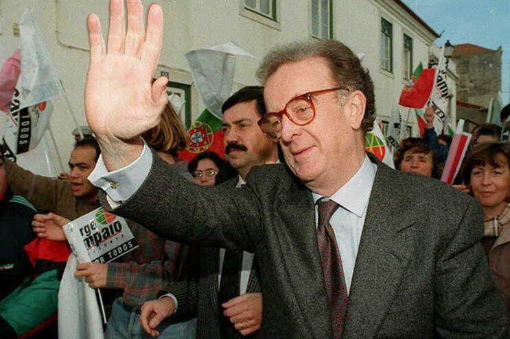 """""""Proeminente figura política da sua geração"""". Sampaio aos olhos da imprensa estrangeira"""