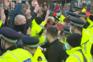 Motoristas protestam contra exigência de teste negativo à covid