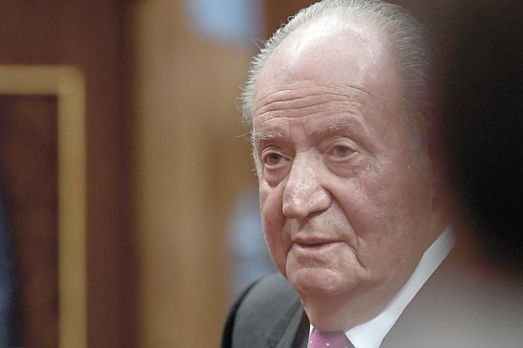 Juan Carlos I vive nos Emirados Árabes Unidos