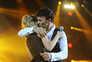 Sara Carreira e Tony Carreira juntos no palco do Pavilhão Meo Arena, em 2014