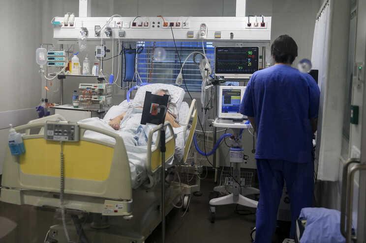 Mais de 570 casos no sétimo dia sem mortes associadas à covid-19