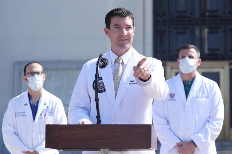 Sean Conley, médico da Casa Branca e porta-voz sobre o estado da saúde de Trump