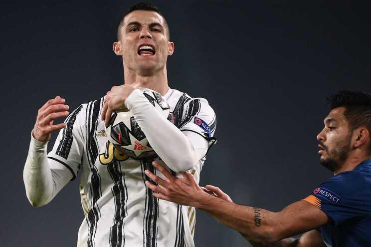 Cristiano Ronaldo foi criticado pelo desempenho frente ao F. C. Porto