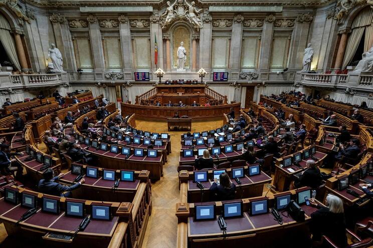 Parlamento homenageou Sampaio