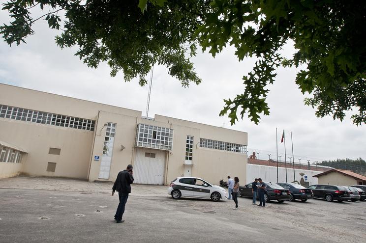 Aviso sobre almoço de Natal a pagar foi afixado no estabelecimento prisional de Paços de Ferreira