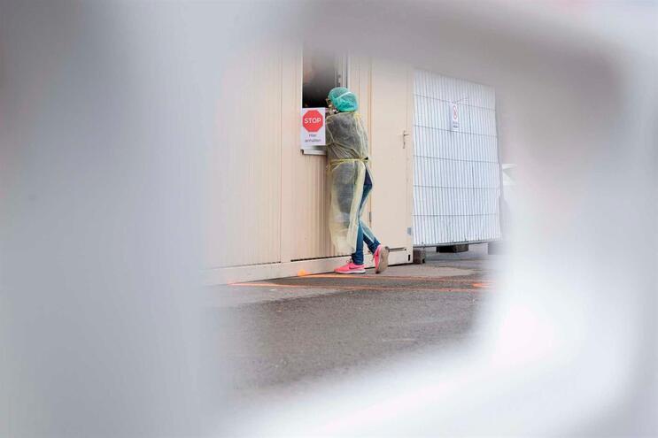 Mãe de adolescente é o segundo caso confirmado de Covid-19 no Algarve