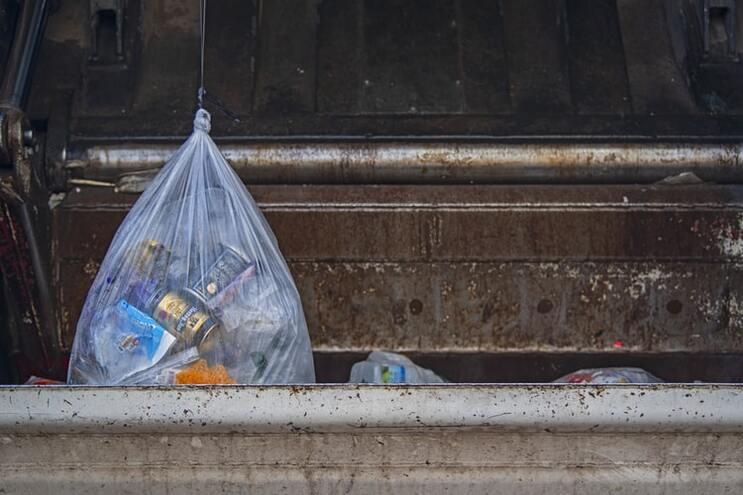 Parlamento rejeita projetos-lei para reduzir embalagens supérfluas