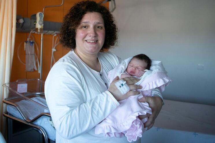 Joana deu à luz Rosa Maria de parto normal, às 1.07 horas, no CMIN
