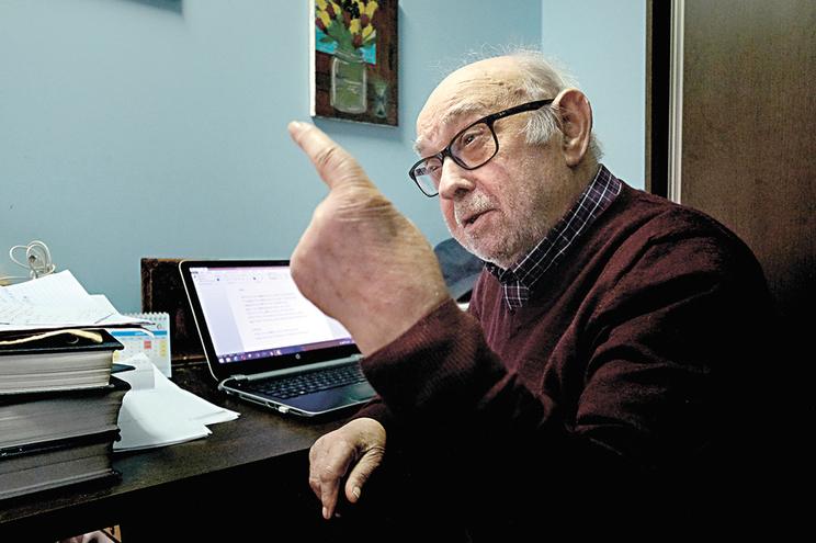 Aos 86 anos, Luís Leal é o mais antigo jornalista da Póvoa de Varzim ainda em funções