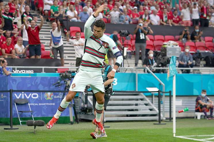 Cristiano Ronaldo festejou a dobrar em Budapeste