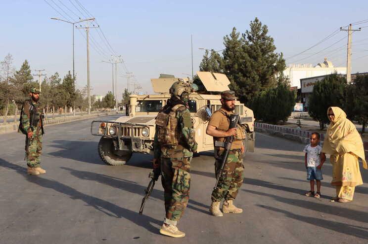 "Dronemata ""dois membros importantes"" do Estado Islâmico"
