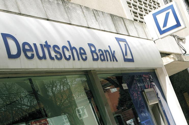 Desviaram 1,3 milhões de clientes do Deutsche Bank
