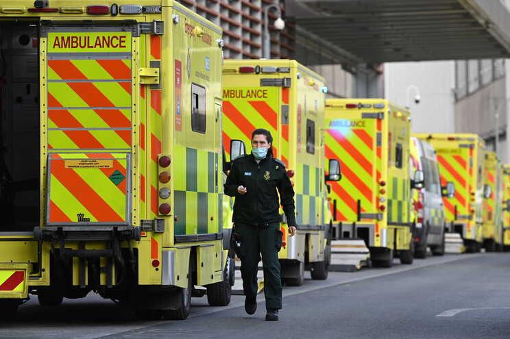 Nas últimas 24 horas foram contabilizados 9765 novos infetados e 230 mortes no Reino Unido