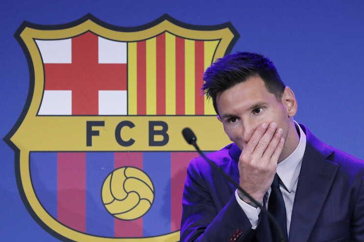 Messi despediu-se do Barcelona em lágrimas