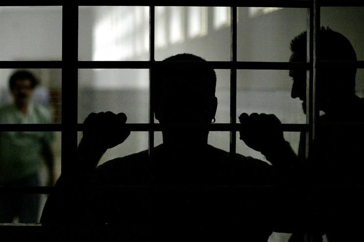 Três reclusos morreram, nesta quarta-feira, na cela
