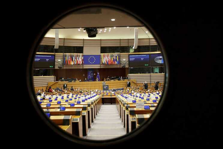 Eurodeputados querem mais explicações