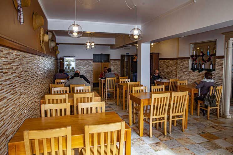"""Os restaurantes pedem uma """"mudança de estratégia"""" ao Governo que ponha fim às restrições nos horários"""