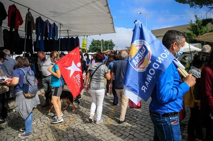Quatro dos sete candidatos a Gondomar foram esta quinta-feira à feira de S. Cosme