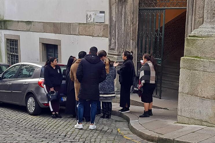 Início do julgamento de grupo acusado de agredir profissionais de saúde na Urgência do Hospital de São