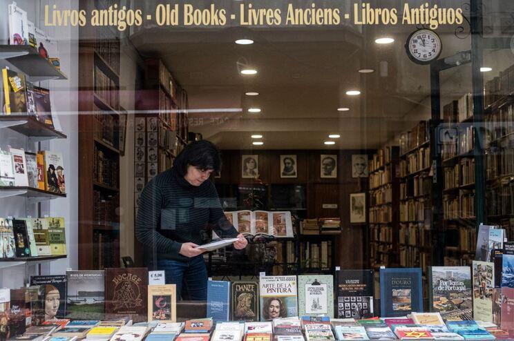 Livraria Lumière, no Porto, reabre na segunda-feira