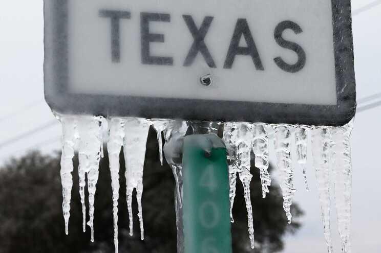 Cerca de 70 pessoas terão morrido devido ao frio