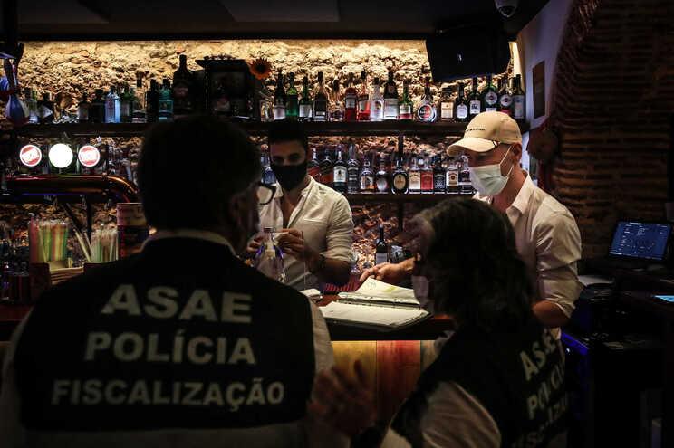 ASAEinstaurou38 processos a restaurantes e bares deoito concelhos só numa noite