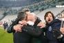 Pinto da Costa chora abraçado a Sérgio Conceição no relvado da Juventus