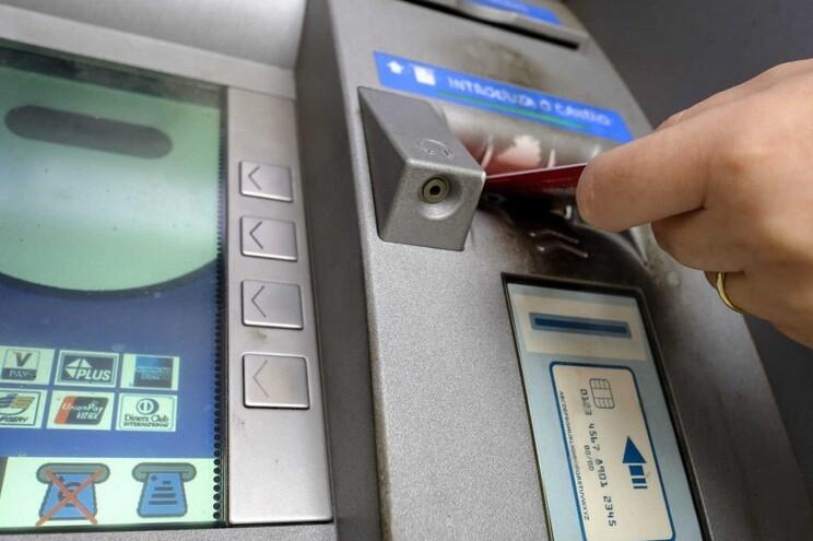 Assaltantes fugiram com a gaveta do ATM com cerca de 25 mil euros numa mota de alta cilindrada