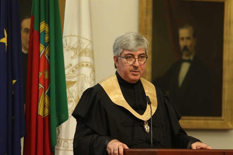 O reitor da Universidade do Porto, António Sousa Pereira, é visado pela carta aberta de vários cientistas