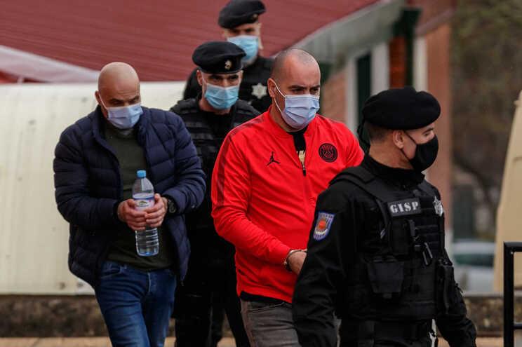 Joel Rodrigues (de casaco vermelho) tinha como braço-direito Diamantino Oliveira (em segundo plano)