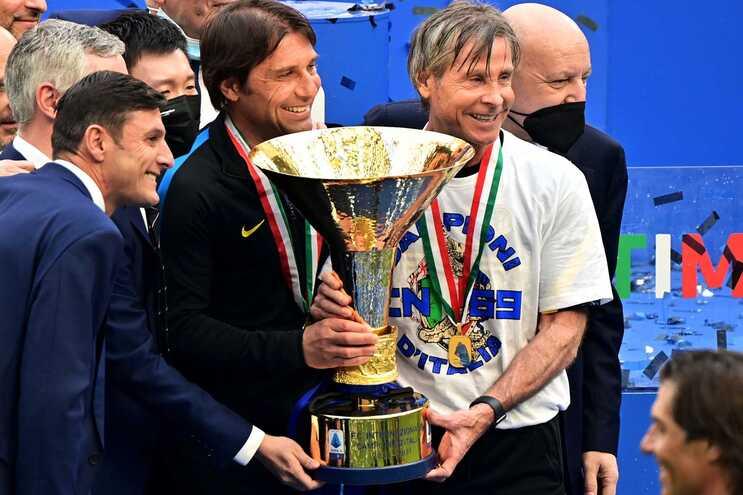 Antonio Conte saiu do Inter de Milão