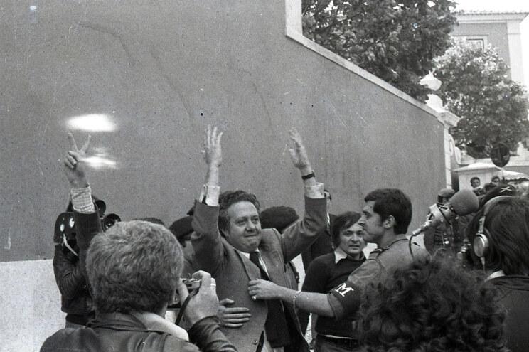 Homenagem a Mário Soares e aos fundadores do PS no arranque do congresso
