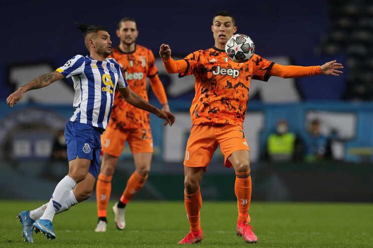 Só o F. C. Porto venceu como visitado na 1.ª mão dos oitavos de final