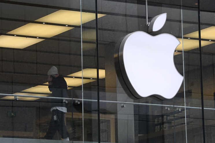 Apple acusada de propaganda enganosa sobre a resistência à água dos seus aparelhos