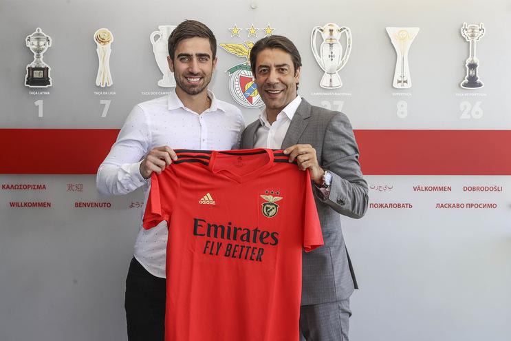 Rodrigo Pinho assinou pelo Benfica