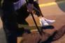 Jovem queixa-se que polícia lhe partiu a perna na Queima do Porto