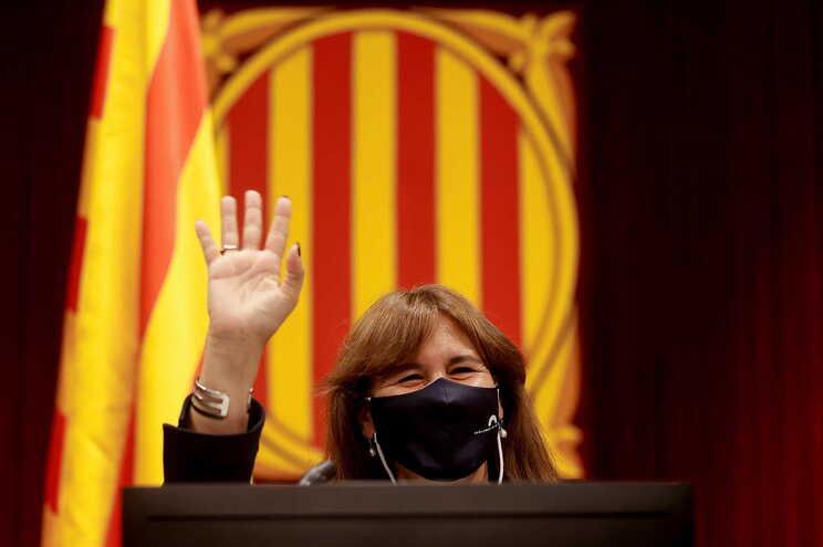 """Presidente do parlamento catalão """"perplexa"""" com ação da Itália sobre Puigdemont"""