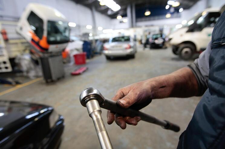 Mecânicos usam peças furtadas para reparar avarias