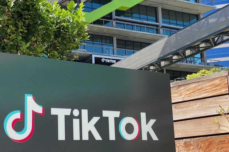 Bruxelas lança diálogo com TikTok sobre más práticas comerciais