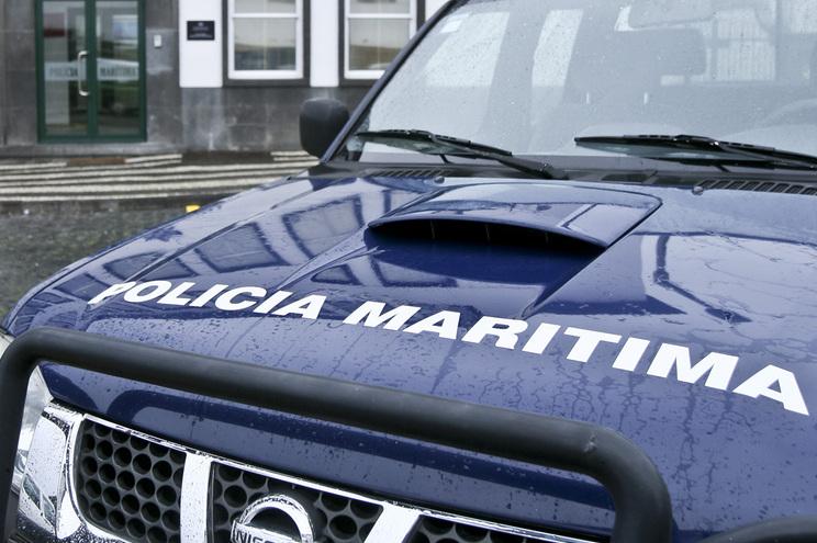 Polícia Marítima revelou que o corpo foi recolhido e transportado para o cais de Banhos, onde foi declarado