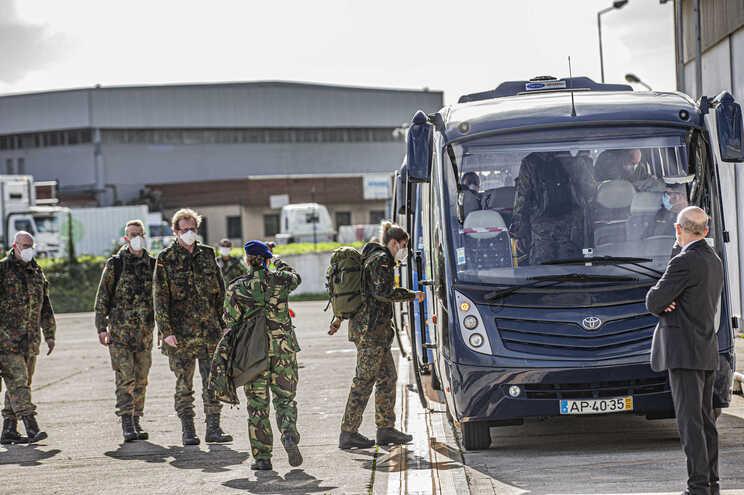 Equipa alemã chegou a Portugal para ajudar a aliviar pressão nos hospitais da capital