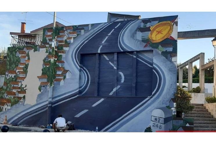 """Mural é da autoria do artista """"Violant"""""""