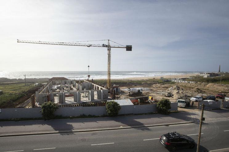 Hotel na praia da Memória, em Perafita, Matosinhos, fica a cerca de 100 metros do mar