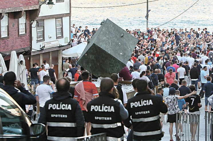 Forte presença policial na Ribeira