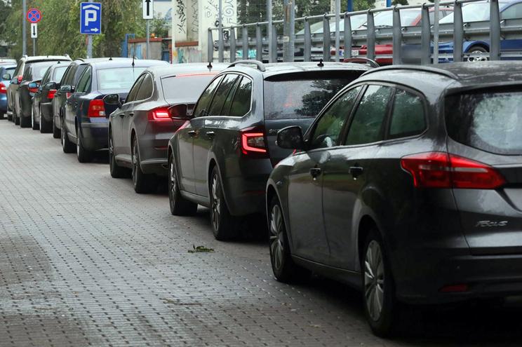 Máfias atacam  tesouro escondido nos catalisadores dos carros