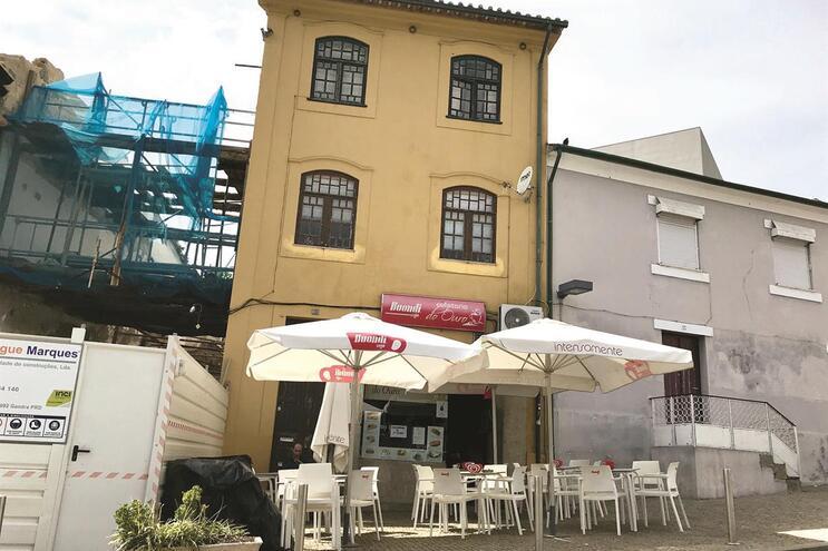 Casa no bairro de Lordelo do Ouro onde se deu o despejo e a tentativa de suicídio