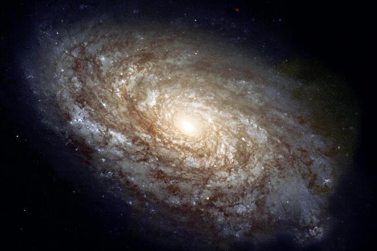 Ondas de rádio demoraram 13 mil milhões de anos a chegar à Terra