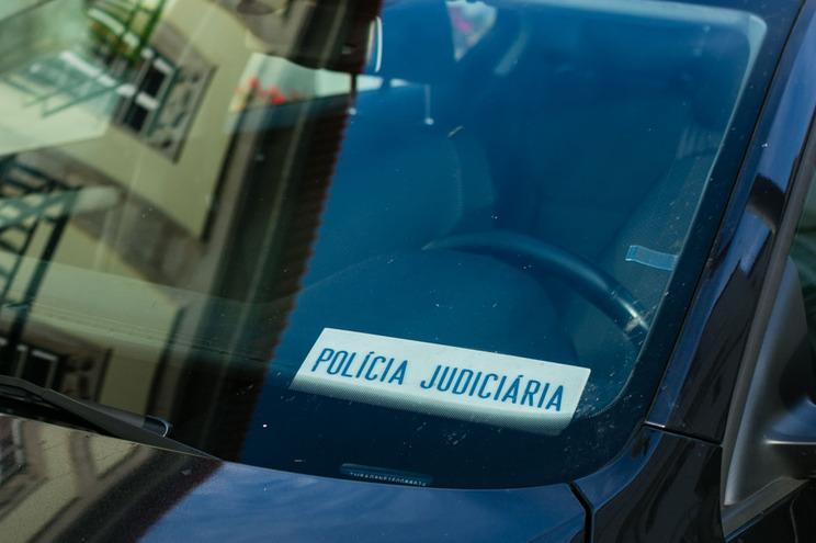 """Gangue faz dois """"carjackings"""" numa noite em Gondomar e Porto"""