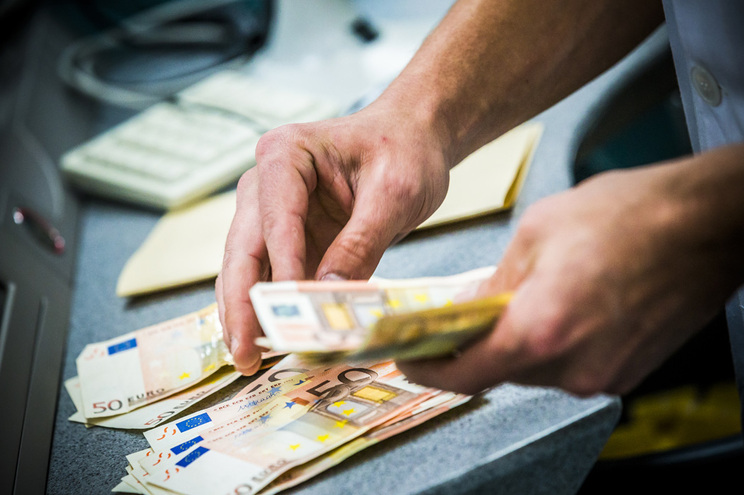 Salário mínimo português sobe mas ainda é dos mais baixos